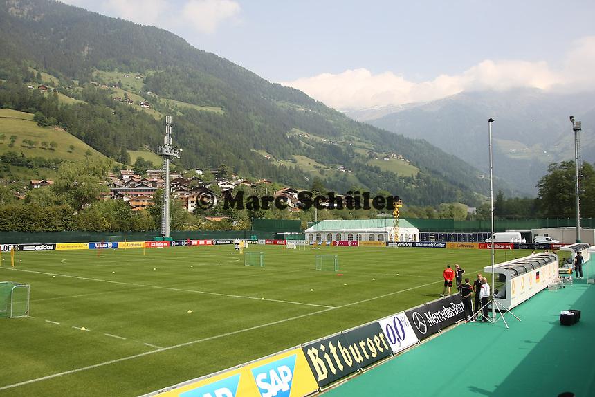 Trainingsplatz der Nationalmannschaft - Trainingslager der Deutschen Nationalmannschaft zur WM-Vorbereitung in St. Martin