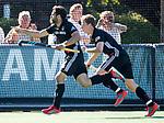 BLOEMENDAAL   - Hockey -  2e wedstrijd halve finale Play Offs heren. Bloemendaal-Amsterdam (2-2) . A'dam wint shoot outs. Valentin Verga (Adam) heeft de stand op 2-2 gebracht. rechts Jan Willem Buissant. COPYRIGHT KOEN SUYK