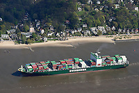 Ozeanriese Ever Lucent  in der Fahrrinne der Elbe vor Blankenese: EUROPA, DEUTSCHLAND, HAMBURG, (EUROPE, GERMANY), 19.04.2014: Ozeanriese Ever Lucent  in der Fahrrinne der Elbe vor Blankenese,