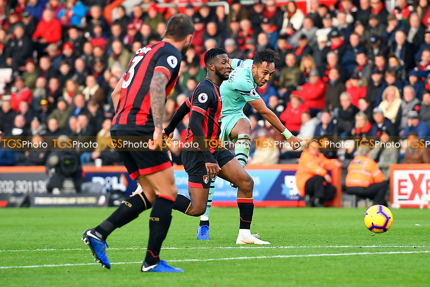 Pierre-Emerick Aubameyang of Arsenal has a shot on goal during AFC Bournemouth vs Arsenal, Premier League Football at the Vitality Stadium on 25th November 2018