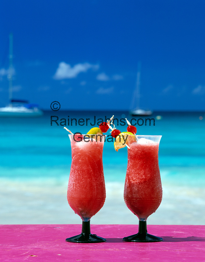 BRB, Barbados, Zwei Cocktails am Strand   BRB, Barbados, two cocktails on the beach