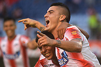 BARRANQUILLA- COLOMBIA -20-11-2016: Los jugadores de Atletico Junior, celebran el gol anotado a La Equidad, durante partido entre Atletico Junior y La Equidad, por la fecha 20 de la Liga Aguila II-2016, jugado en el estadio Metropolitano Roberto Melendez de la ciudad de Barranquilla. / The players of Atletico Junior, celebrate a scored goal to La Equidad, during a match between Atletico Junior and La Equidad, for the date 20 of the Liga Aguila II-2016 at the Metropolitano Roberto Melendez Stadium in Barranquilla city, Photo: VizzorImage / Alfonso Cervantes / Cont.