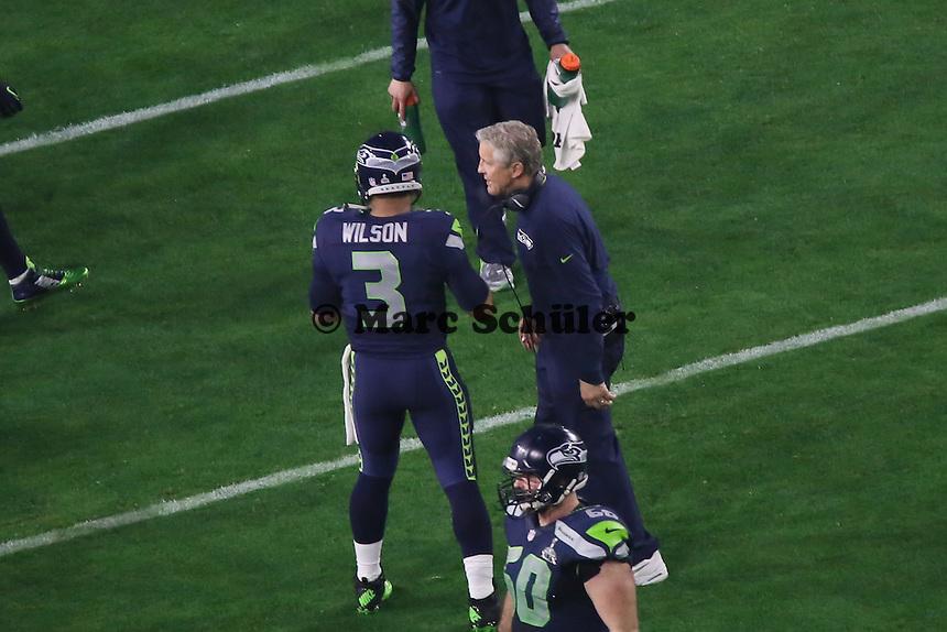 Trainer Pete Carroll mit QB Russell Wilson (Seahawks) - Super Bowl XLIX, Seattle Seahawks vs. New England Patriots, University of Phoenix Stadium, Phoenix