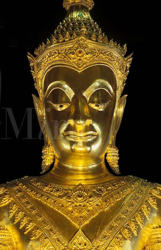 Green stone DAVARAVATI BUDDHA, a masterpiece of MON BUDDHIST ART at WAT NA PRAMAN  - AYUTTHAYA, THAILAND