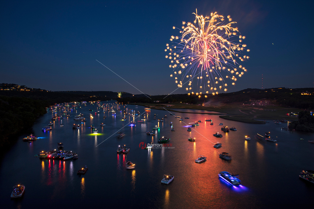 The most Dazzling 4th of July Fireworks display is held annually at the 360 Pennybacker Bridge over Lake Austin. Hundreds of boats gather on Lake Austin to watch the spectacular fireworks display.