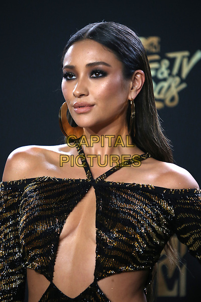 LOS ANGELES, CA - MAY 7: Shay Mitchell at the 2017 MTV Movie and TV Awards at The Shrine Auditorium in Los Angeles, California on May 7, 2017. <br /> CAP/MPI/FS<br /> &copy;FS/MPI/Capital Pictures