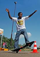 Waveboarden tijdens de landelijke Buitenspeeldag