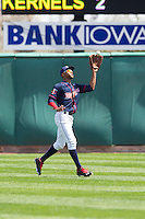 Cedar Rapids Kernels outfielder Byron Buxton #7 catches a fly ball during a game against the Lansing Lugnuts at Veterans Memorial Stadium on April 30, 2013 in Cedar Rapids, Iowa. (Brace Hemmelgarn/Four Seam Images)