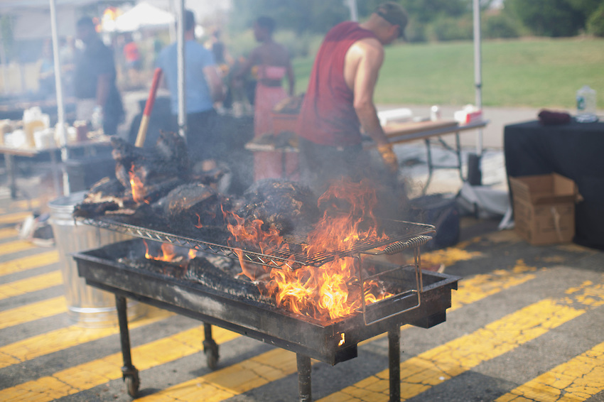 Brooklyn, NY - September 10, 2016:  The annual Pig Island outdoor food festival at Erie Basin Park in Red Hook.<br /> <br /> CREDIT: Clay Williams.<br /> <br /> &copy; Clay Williams / claywilliamsphoto.com