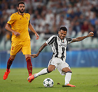 Calcio, Champions League: Juventus vs Siviglia: Torino, Juventus Stadium, 14 settembre 2016. <br /> Juventus&rsquo; Dani Alves kicks the ball during the Champions League Group H football match between Juventus and Sevilla at Turin's Juventus Stadium, 16 September 2016.<br /> UPDATE IMAGES PRESS/Isabella Bonotto