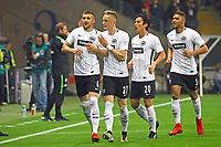 celebrate the goal, Torjubel zum 1:0 von Ante Rebic (Eintracht Frankfurt) mit Marius Wolf (Eintracht Frankfurt), Makoto Hasebe (Eintracht Frankfurt), Simon Falette (Eintracht Frankfurt)- 03.11.2017: Eintracht Frankfurt vs. SV Werder Bremen, Commerzbank Arena