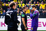 11.05.2019, Signal Iduna Park, Dortmund, GER, 1.FBL, Borussia Dortmund vs Fortuna Düsseldorf, DFL REGULATIONS PROHIBIT ANY USE OF PHOTOGRAPHS AS IMAGE SEQUENCES AND/OR QUASI-VIDEO<br /> <br /> im Bild | picture shows:<br /> nach einem Zusammenprall mit Dodi Lukebakio (Fortuna #20) muss Marwin Hitz (Borussia Dortmund #35) lange behandelt werden, Schiedsrichter | Referee Tobias Stieler erkundigt sich nach seinem Zustand, <br /> <br /> Foto © nordphoto / Rauch