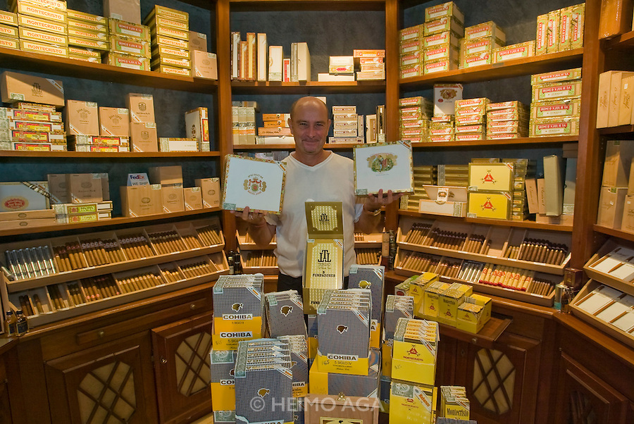 Cohibas & Co at Cuban Cigar Store in Gustavia.