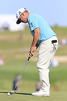 Chez Reavie (USA) putts on the 17th green during Thursday's Round 1 of the 118th U.S. Open Championship 2018, held at Shinnecock Hills Club, Southampton, New Jersey, USA. 14th June 2018.<br /> Picture: Eoin Clarke | Golffile<br /> <br /> <br /> All photos usage must carry mandatory copyright credit (&copy; Golffile | Eoin Clarke)