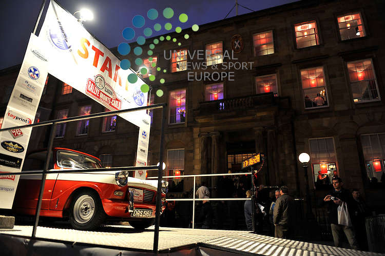 GLASGOW, SCOTLAND - 27/01/11.  The Monte Carlo Rally sets off from Glasgow's Blytheswood Square(Picture: Andrew Murdoch/Universal News and Sport (Europe)) 27th January 2011. All pictures must be credited to www.universalnewsandsport.com. (Office) 0844 884 5122.