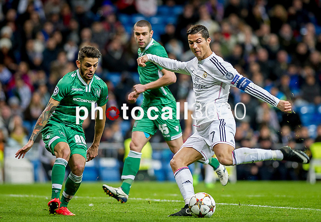 Real Madrid's Portuguese forward Cristiano Ronaldo during the Champions league football match Real Madrid vs Ludogorets at the Santiago Bernabeu stadium in Madrid on december 9, 2014. Samuel de Roman / Photocall3000.