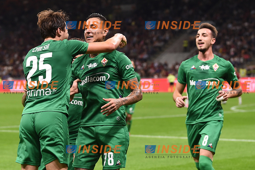 Erick Pulgar of Fiorentina (C) celebrates with Federico Chiesa after scoring the goal of 0-1 for his side <br /> Milano 29/09/2019 Stadio Giuseppe Meazza <br /> Football Serie A 2019/2020 <br /> AC Milan - ACF Fiorentina   <br /> Photo Image Sport / Insidefoto