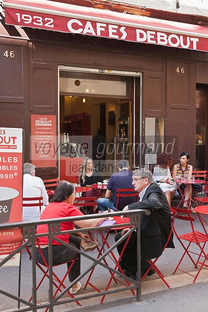 Europe/France/Provence-Alpes-Côte d'Azur/13/Bouches-du-Rhône/Marseille: A la terrasse des Café Debout 46, rue Francis Davso [Non destiné à un usage publicitaire - Not intended for an advertising use]