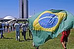 Manifestação contra corrupção em apoio ao governo Lula. Brasília. 2005. Foto de Ricardo Azoury.