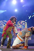 RECIFE, PE, 06.02.2016 - CARNAVAL-PE - Chico César e Maestro Forró durante a abertura do carnaval do Recife (PE), no Marco Zero da Cidade, durante a madrugada deste sábado (06). (Foto: Diego Herculano / Brazil Photo Press)