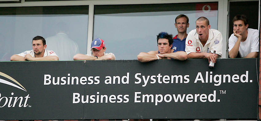 Photo: Peter Phillips..England v Australia. nPower Test Match Series, The Ashes 3rd Test. 14/08/2005..Some glum faces on the England balcony that even Simon Jones beer won't cure