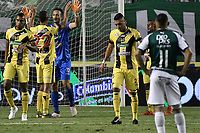 PALMIRA - COLOMBIA, 17-09-2019: Jugadores del Alianza celebran después del partido entre Deportivo Cali y Alianza Petrolera por la fecha 11 de la Liga Águila II 2019 jugado en el estadio Deportivo Cali de la ciudad de Palmira. / Players of Alianza celebrate after match between Deportivo Cali and Alianza Petrolera for the date 11 as part Aguila League II 2019 played at Deportivo Cali stadium in Palmira city. Photo: VizzorImage / Gabriel Aponte / Staff