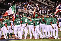 Alex Verdugo, Brandon Laird, Adrian Gonzalez, Japhet Amador (42), Efren Navarro, Luis Cruz, Miguel Gonzalez (58), Jake Sanchez (55). Sebastian Elizalde (20)<br /> <br /> Aspectos del partido Mexico vs Italia, durante Cl&aacute;sico Mundial de Beisbol en el Estadio de Charros de Jalisco.<br /> Guadalajara Jalisco a 9 Marzo 2017 <br /> Luis Gutierrez/NortePhoto.com