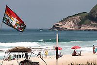 RIO DE JANEIRO; RJ; 08 DE MARÇO 2013 - CALOR E PRAIA NO RIO DE JANEIRO - Nesta sexta-feira (8) o intenso calor levou muitas pessoas à Prainha; na zona oeste da cidade tanto para praticar esportes; tomar sol ou se refrescar no mar. FOTO: NÉSTOR J. BEREMBLUM - BRAZIL PHOTO PRESS.