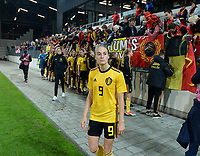 20181009 – BIEL BIENNE , SWITZERLAND : Belgian players with Tessa Wullaert pictured looking dejected and disappointed after failing to qualify after the female soccer game between Switzerland and the Belgian Red Flames , the second leg in the semi finals play offs for qualification for the World Championship in France 2019 ; the first leg ended in equality 2-2 ;  Tuesday 9 th october 2018 at The Tissot Arena  in BIEL BIENNE , Switzerland . PHOTO SPORTPIX.BE | DAVID CATRY