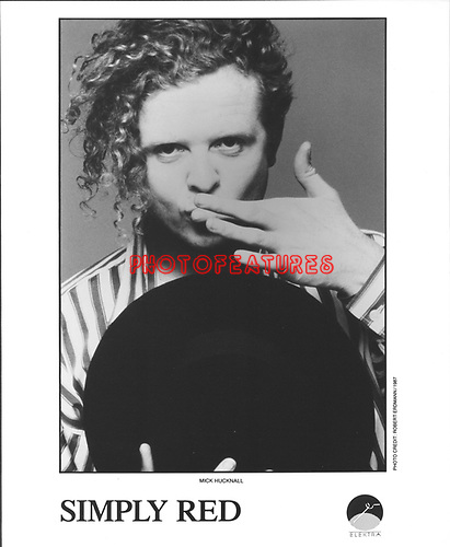 Simply Red Mick Hucknell..photo from promoarchive.com/ Photofeatures....