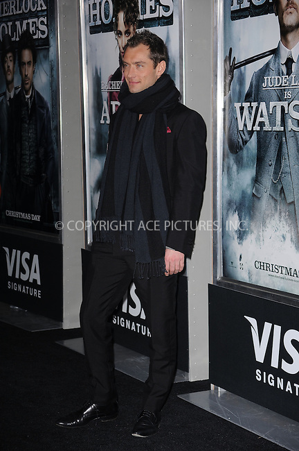 WWW.ACEPIXS.COM . . . . . ....December 17 2009, New York City....Actor Jude Law arriving at the New York premiere of 'Sherlock Holmes' at the Alice Tully Hall, Lincoln Center on December 17, 2009 in New York City.....Please byline: KRISTIN CALLAHAN - ACEPIXS.COM.. . . . . . ..Ace Pictures, Inc:  ..(212) 243-8787 or (646) 679 0430..e-mail: picturedesk@acepixs.com..web: http://www.acepixs.com