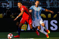 Action photo during the match Argentina vs Chile at Levis Stadium Copa America Centenario 2016. ---Foto  de accion durante el partido Argentina vs Chiler, En el Estadio de la Universidad de Phoenix, Partido Correspondiante al Grupo - D -  de la Copa America Centenario USA 2016, en la foto: (i)-(d) Alexis Sanchez, Javier Mascherano<br /> <br /> --- 06/06/2016/MEXSPORT/PHOTOSPORT/ Andres Pina