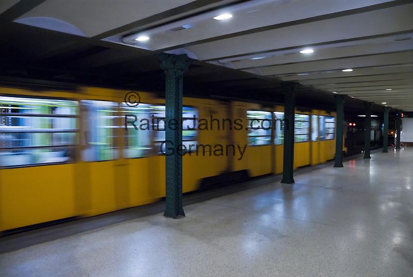 HUN, Ungarn, Budapest, Stadtteil Pest, Zentrum: Metro, U-Bahn, Bahnhof, Station Voeroesmarty ter | HUN, Hungary, Budapest, Pest District, centre: underground, station at Voeroesmarty Square