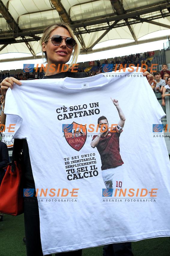 Ilary Blasi moglie di Francesco Totti<br /> Roma 8-05-2016  Stadio Olimpico<br /> Campionato Serie A,<br /> AS Roma - Chievo<br /> Foto Antonietta Baldassarre / Insidefoto