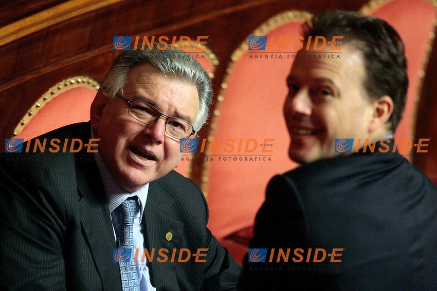 Piergiorgio Stiffoni e Federico Bricolo.Roma 24/04/2012 Senato. Voto di Fiducia sulla prima parte del Decreto Fiscale..Photo Samantha Zucchi Insidefoto