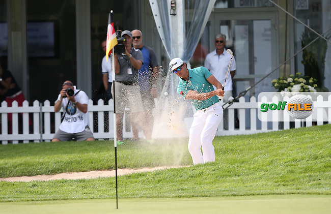 Rafa Cabrera-Bello (ESP) plays a cute shot from the bunker on the last to take a share of the -7 lead during Round One of the 2015 BMW International Open at Golfclub Munchen Eichenried, Eichenried, Munich, Germany. 25/06/2015. Picture David Lloyd | www.golffile.ie