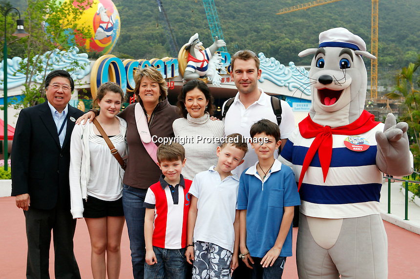 Former princess Alexandra (now countess)<br /> and her new husband Martin Joergensen and her two boys, prince Nikolai and prince Felix (from her marriage with prince Joachim), with her sister Nicola her two children Benjamin and Natasia at Ocean Park - Hong Kong on Thursday 26 March, 2009.