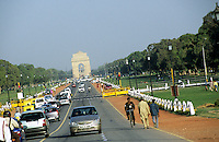 "Asien Indien IND Neu Delhi .Blick vom Regierungsgeb?ude des indischen Pr?sident Rashtrapati Bhavan auf India Gate Indien Torbogen in Rajpath in Hauptstadt Neu Delhi Dehli   - Politik Ministerium Ministerien Ministerp?sident Minister indisches indische Machtzentrum Politik Beh?rde Macht Staat indische Union Demokratie Regierung Verwaltung Dehli indische Union Zentralregierung Auto Autos xagndaz | .Asia India New Delhi .view from Rashtrapati Bhavan residence to India Gate in capital New Delhi  - government power policy democracy independence .| [copyright  (c) agenda / Joerg Boethling , Veroeffentlichung nur gegen Honorar und Belegexemplar an / royalties to: agenda  Rothestr. 66  D-22765 Hamburg  ph. ++49 40 391 907 14  e-mail: boethling@agenda-fototext.de  www.agenda-fototext.de  Bank: Hamburger Sparkasse BLZ 200 505 50 kto. 1281 120 178  IBAN: DE96 2005 0550 1281 1201 78 BIC: ""HASPDEHH"" ,  WEITERE MOTIVE ZU DIESEM THEMA SIND VORHANDEN!! MORE PICTURES ON THIS SUBJECT AVAILABLE!! INDIA PHOTO ARCHIVE: http://www.visualindia.net] [#0,26,121#]"
