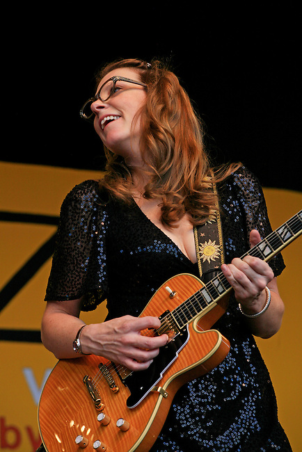 SUSAN TEDESCHI sings and plays guitar at the 2009 MONTEREY JAZZ FESTIVAL - CALIFORNIA