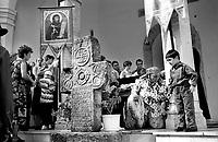 ROMANIA, Valachia, September 2002..Traditional gypsy pilgramage in Valachia..ROUMANIE, Valachie, Septembre 2002..Pélerinage tsigane en Valachie..© Bruno Cogez