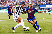 EAST RUTHERFORD, EUA, 22.07.2017 - JUVENTUS-BARCELONA - do Barcelona (ESP) disputa bola com   da Juventus (ITA) valido pela Internacional Champions Cup no MetLife Stadium na cidade de East Rutherford nos Estados Unidos neste sábado, 22. (Foto: William Volcov/Brazil Photo Press)