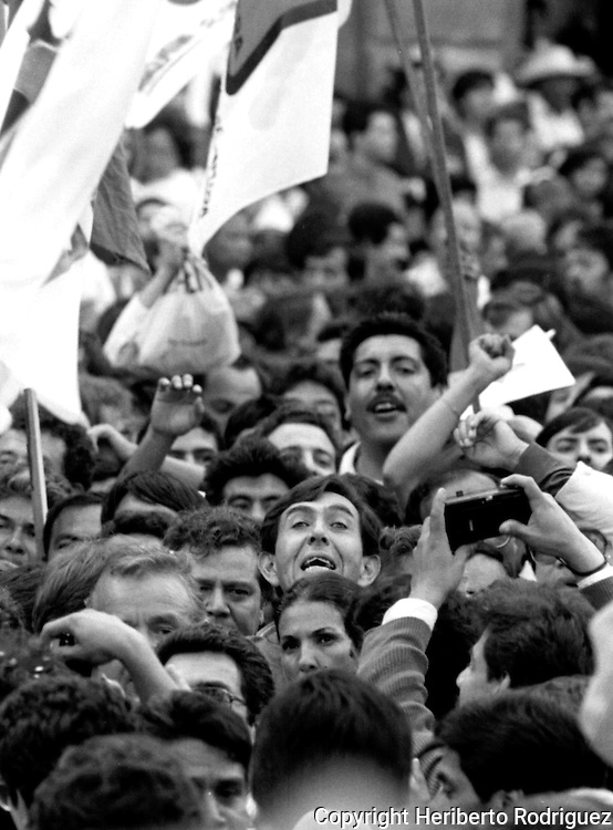 File photo of Mexican leftist leader Cuauhtemoc Cardenas Solorzano as he arrives at the main square of Mexico City, March 18, 1988. Cardenas was one of the presidential candidates running for Presidency in 1988 elections.  © Photo by Heriberto Rodriguez