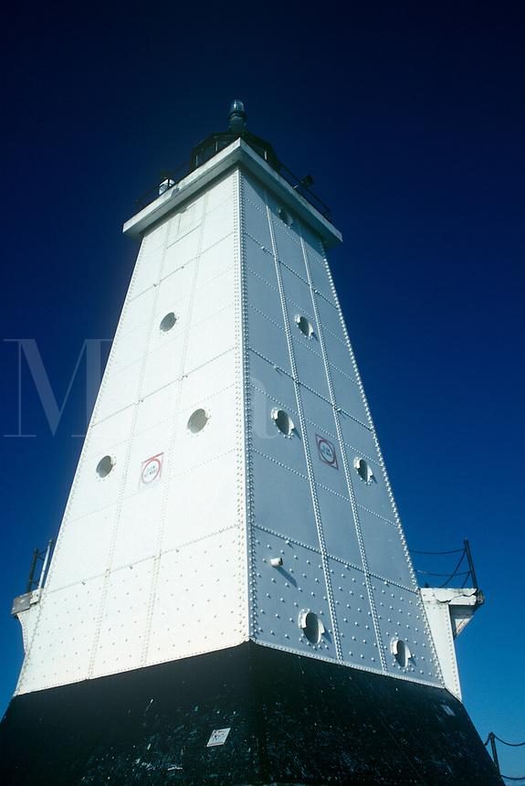 Lake Michigan, Ludington North (Breakwater Pierhead) lighthouse