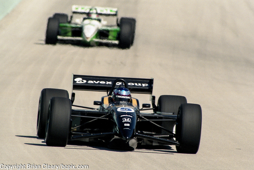 Shinji Nakano #5, Marlboro Grand Prix of Miami, CART race, March 26, 2000.  (Photo by Brian Cleary/bcpix.com)