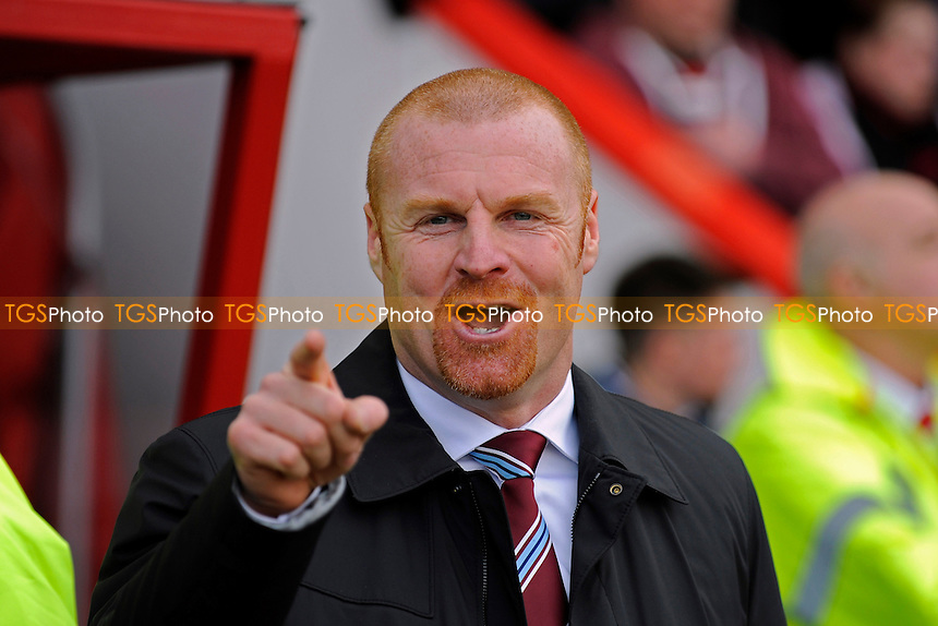 Burnley Manager Sean Dyche - AFC Bournemouth vs Burnley - Sky Bet Championship Football at the Goldsands Stadium, Bournemouth, Dorset - 15/02/14 - MANDATORY CREDIT: Denis Murphy/TGSPHOTO - Self billing applies where appropriate - 0845 094 6026 - contact@tgsphoto.co.uk - NO UNPAID USE