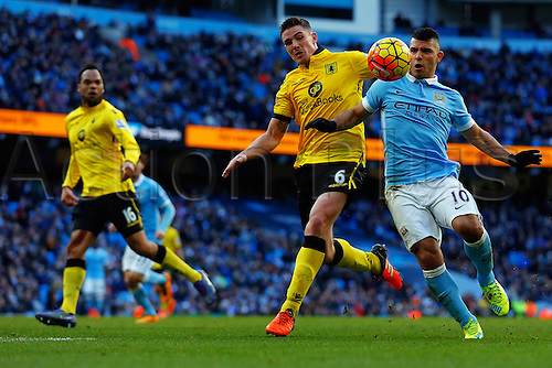 05.03.2016. The Etihad, Manchester, England. Barclays Premier League. Manchester City versus Aston Villa. Sergio Aguero of Manchester City battles for the ball