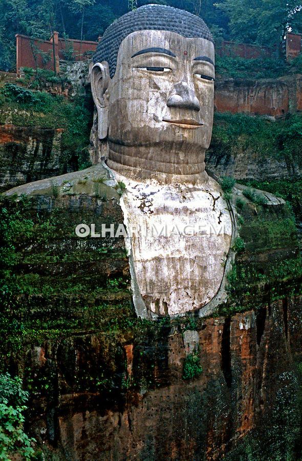 Estátua do Grande Buda em Leshan. China. 1994. Foto de Nair Benedicto.