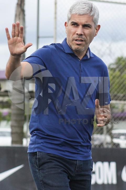 SÃO PAULO, SP, 29.10.2015 - FUTEBOL-CORINTHIANS -  Ricardinho treinador durante sessão de treinamento no Centro de Treinamento Joaquim Grava na região leste de São Paulo nesta quinta-feira, 29.  (Foto: Marcos Moraes / Brazil Photo Press)