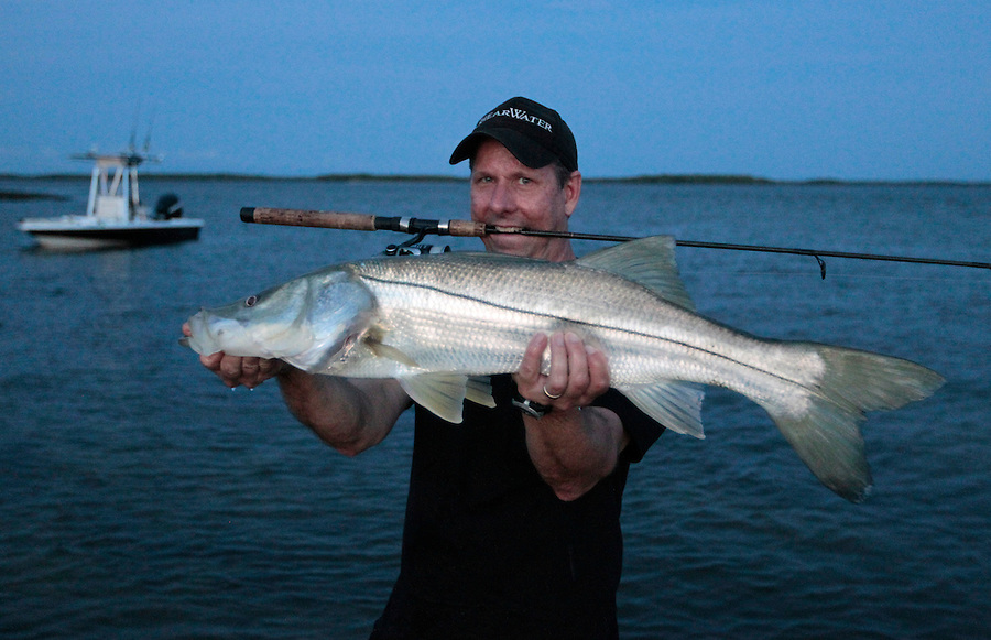 Tom Shurtleff on Jewell Key with a nice snook in Florida's Everglades National Park out of Chokoloskee Island and the 10,000 Islands National Wildlife Refuge. Photo/Andrew Shurtleff