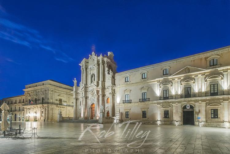 Europe, Italy, Sicily, Syracuse, Piazza Duomo at Dawn